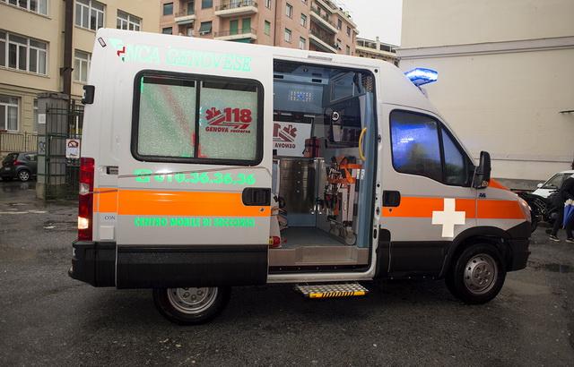 14 Ambulanza Verde 2014 Genova 0